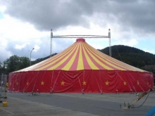 Zirkuszelt / 28 x 28 m / 2 Mast